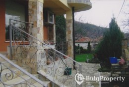 Two-storey house for sale in village Gorica